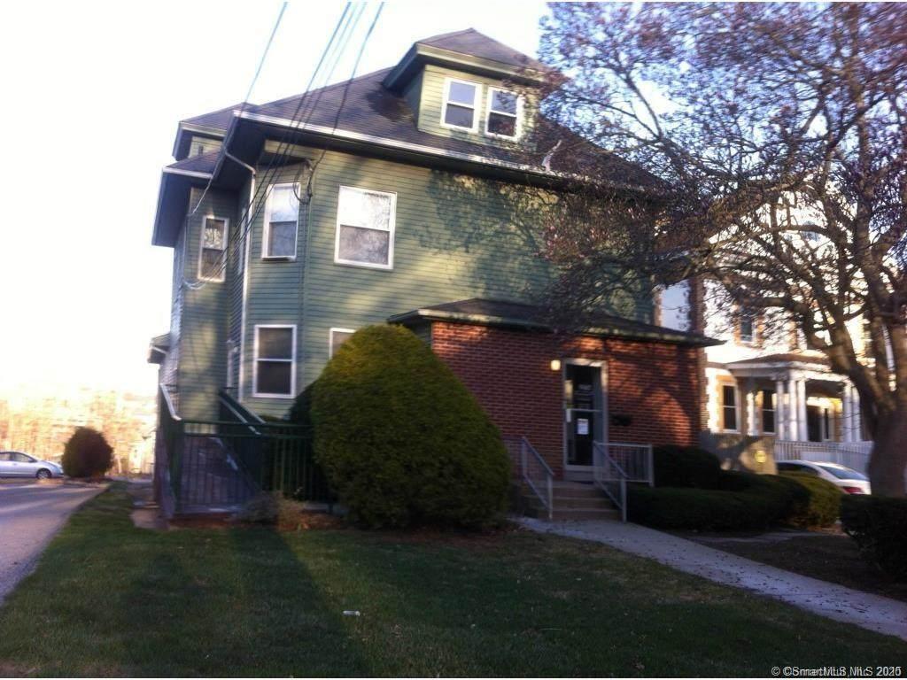 276 Montauk Avenue - Photo 1