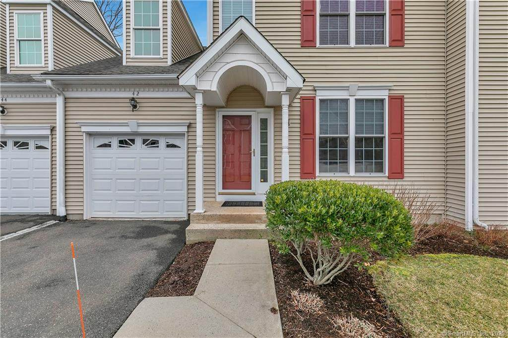 42 Fieldstone Court - Photo 1