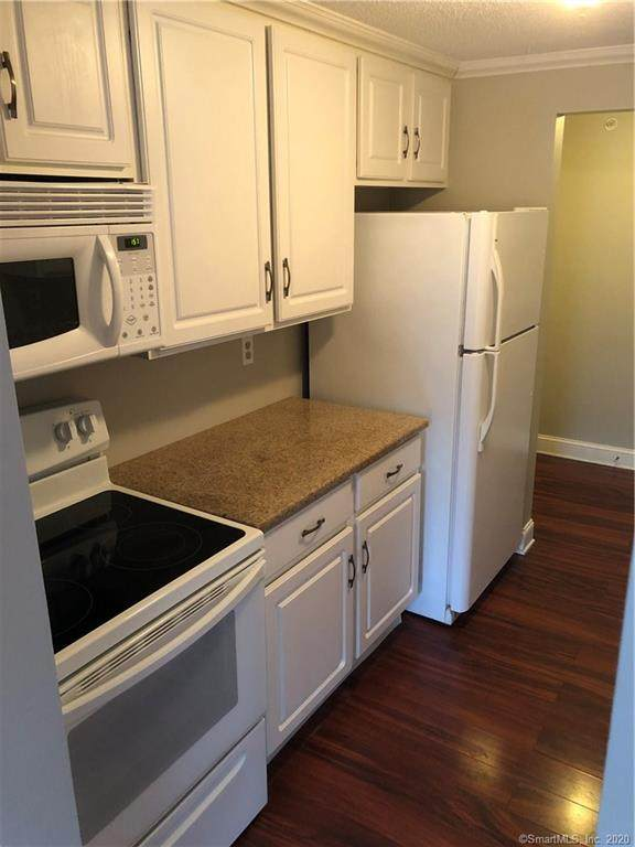 14 Newtown Road B26, Danbury, CT 06810 (MLS #170285611) :: Spectrum Real Estate Consultants