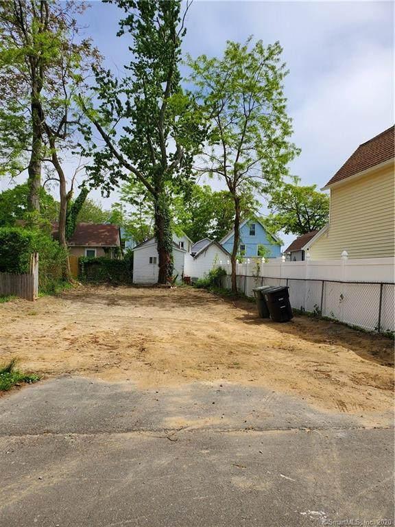 31 Wood Avenue, Milford, CT 06460 (MLS #170299145) :: Michael & Associates Premium Properties | MAPP TEAM