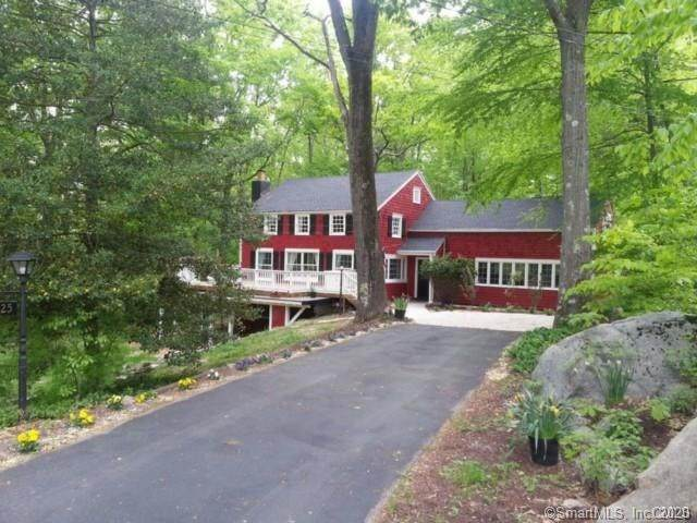 25 Old Fawn Hill Road, Monroe, CT 06468 (MLS #170299938) :: The Higgins Group - The CT Home Finder