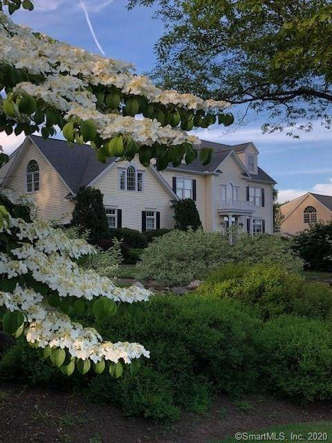 2 Franklins Way, Guilford, CT 06437 (MLS #170302573) :: Carbutti & Co Realtors