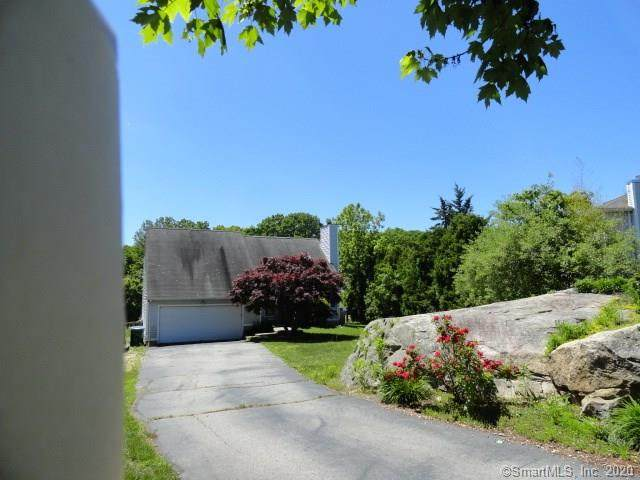 49 Hickory Lane, Waterford, CT 06385 (MLS #170304004) :: Hergenrother Realty Group Connecticut
