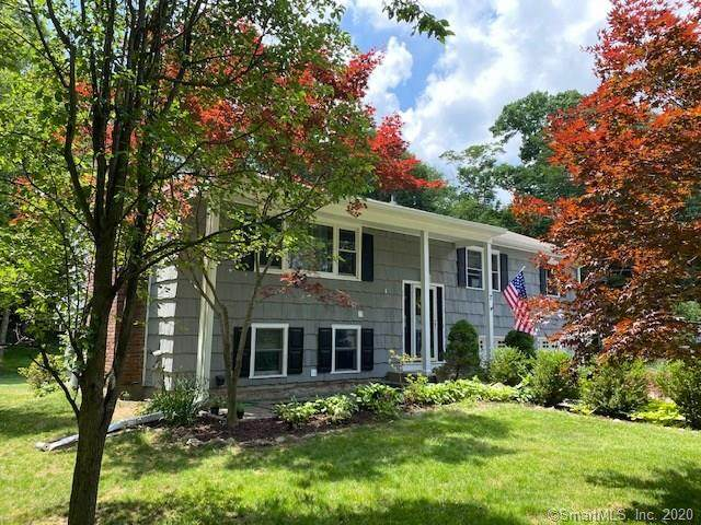 7 Cranbury Woods Road, Norwalk, CT 06851 (MLS #170307268) :: Michael & Associates Premium Properties | MAPP TEAM