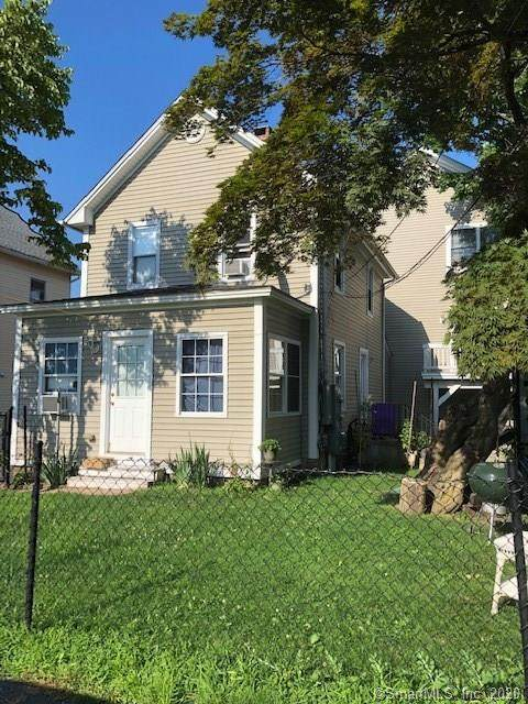 19 Crown Street #1, Danbury, CT 06810 (MLS #170318109) :: Frank Schiavone with William Raveis Real Estate