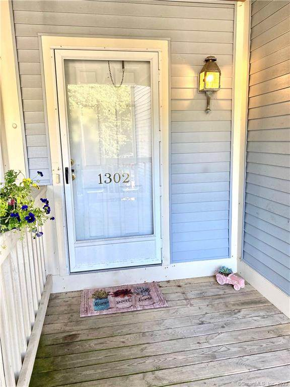 75 Redwood Drive #1302, East Haven, CT 06513 (MLS #170318240) :: Carbutti & Co Realtors