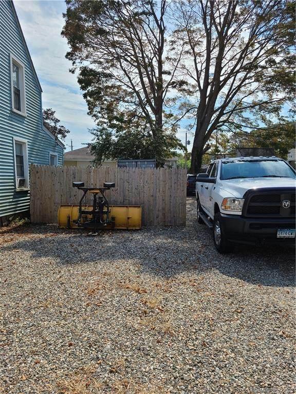 40 Wood Avenue, Milford, CT 06460 (MLS #170330079) :: Sunset Creek Realty