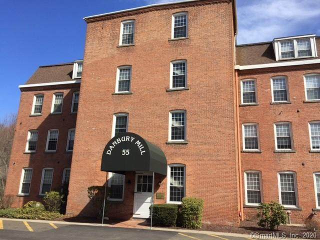 55 Oil Mill Road #6, Danbury, CT 06810 (MLS #170330608) :: The Higgins Group - The CT Home Finder