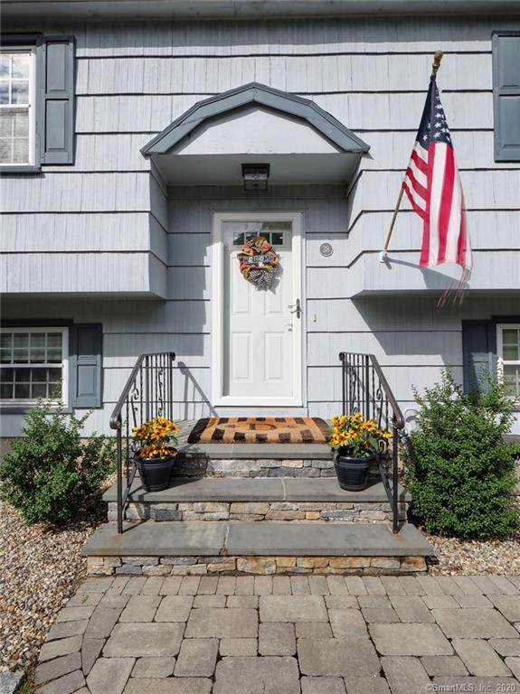 38 Sunrise Hill, Meriden, CT 06451 (MLS #170333279) :: The Higgins Group - The CT Home Finder
