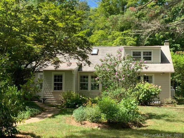 16 Arnott Drive, Canaan, CT 06031 (MLS #170334041) :: The Higgins Group - The CT Home Finder