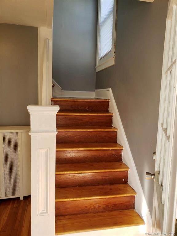 312 Brown Street, Hartford, CT 06114 (MLS #170339263) :: The Higgins Group - The CT Home Finder