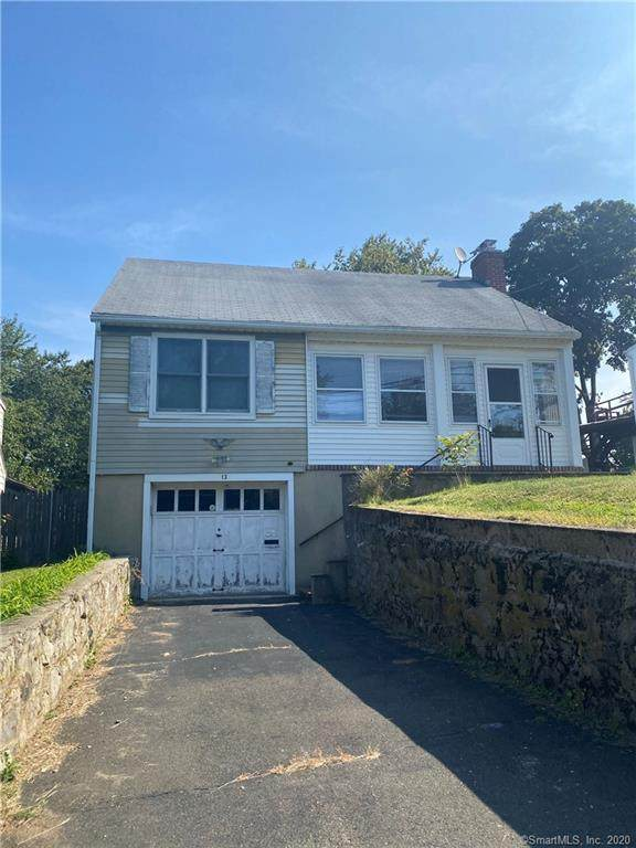 13 Cedar Crest Place, Norwalk, CT 06854 (MLS #170339484) :: Frank Schiavone with William Raveis Real Estate