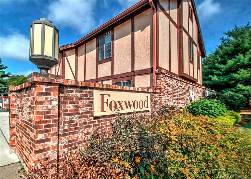 152 Foxwood Close - Photo 1