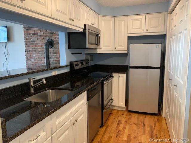 118 Washington Street #204, Norwalk, CT 06854 (MLS #170343534) :: Michael & Associates Premium Properties | MAPP TEAM