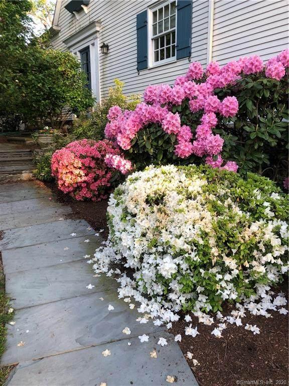 14 Flicker Lane, Norwalk, CT 06853 (MLS #170349956) :: The Higgins Group - The CT Home Finder