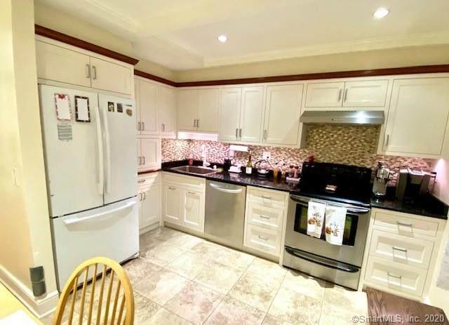 21 Spring Hill Avenue A, Norwalk, CT 06850 (MLS #170351309) :: Michael & Associates Premium Properties | MAPP TEAM