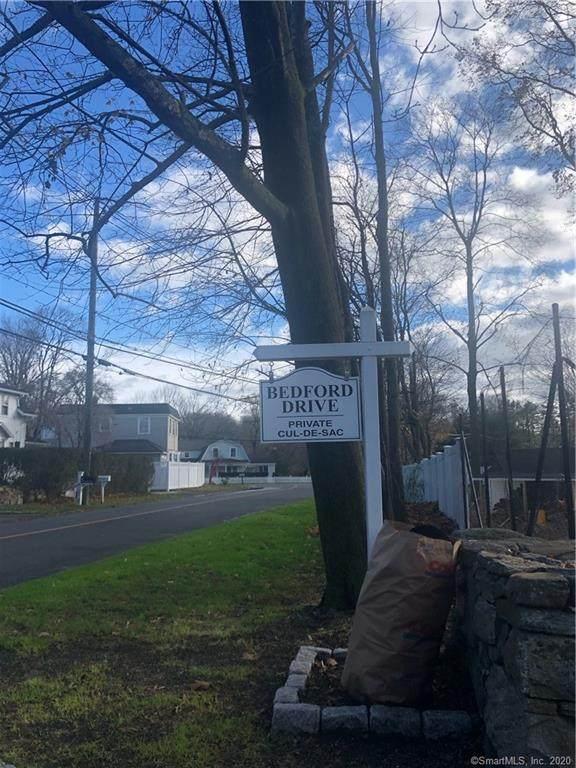 10 Bedford Drive, Westport, CT 06880 (MLS #170356855) :: Kendall Group Real Estate | Keller Williams