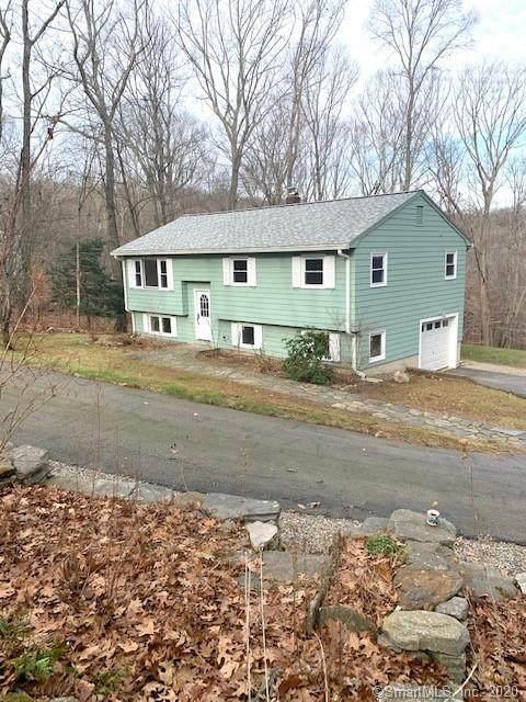 29 Old Willimantic Road, Columbia, CT 06237 (MLS #170357573) :: Spectrum Real Estate Consultants