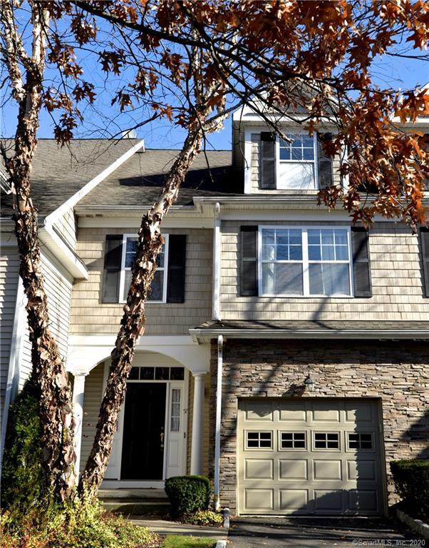 57 Woodcrest Lane #57, Danbury, CT 06810 (MLS #170357693) :: The Higgins Group - The CT Home Finder