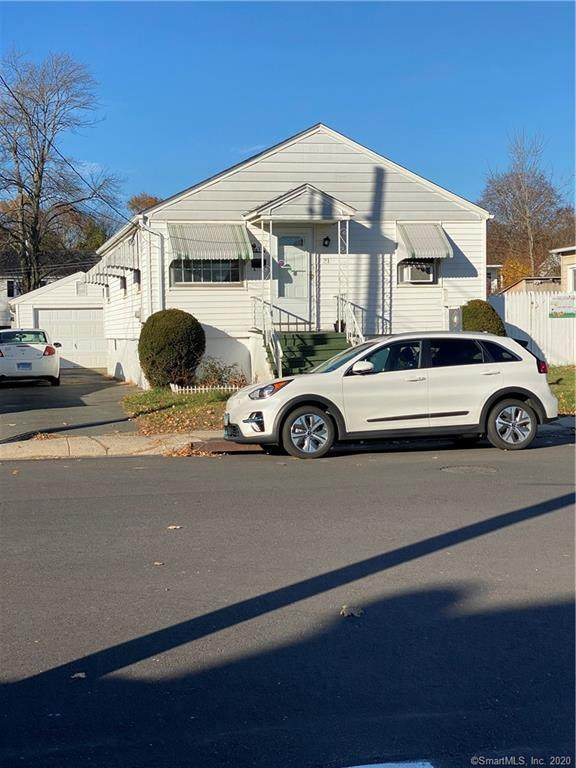 31 Hinsdale Avenue, Waterbury, CT 06705 (MLS #170358612) :: Team Feola & Lanzante | Keller Williams Trumbull