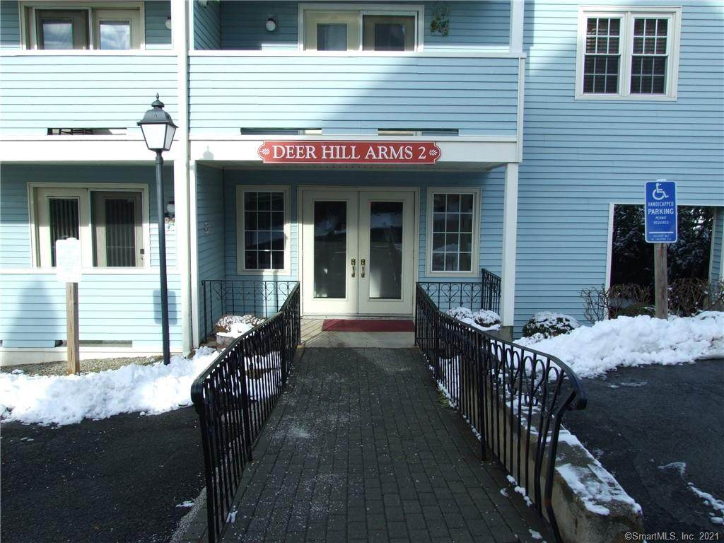 136 Deer Hill Avenue - Photo 1