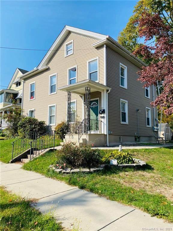 211 Elm Street, Meriden, CT 06450 (MLS #170366287) :: Kendall Group Real Estate | Keller Williams