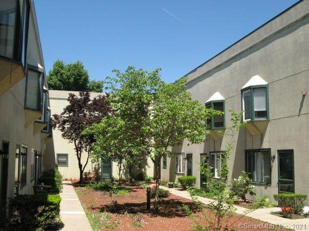 40 S Cherry Street #23, Wallingford, CT 06492 (MLS #170366946) :: Around Town Real Estate Team