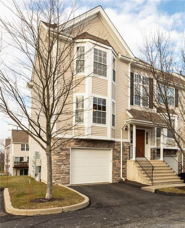 1401 Briar Woods Lane #1401, Danbury, CT 06810 (MLS #170368347) :: Around Town Real Estate Team