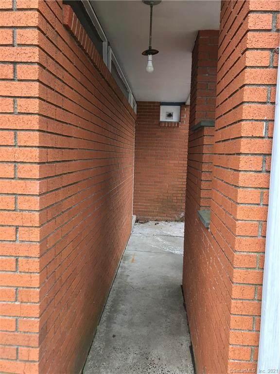 180 Loftus Circle, Bridgeport, CT 06606 (MLS #170368553) :: Galatas Real Estate Group