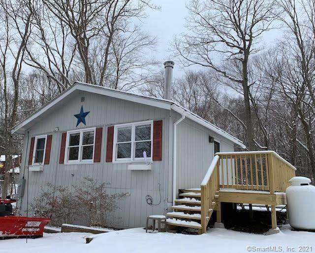 70 Lakeview Drive, Ashford, CT 06278 (MLS #170369151) :: Spectrum Real Estate Consultants