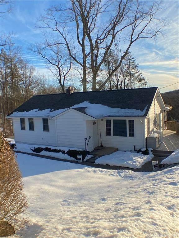 72 Post Road, Danbury, CT 06810 (MLS #170373263) :: Tim Dent Real Estate Group