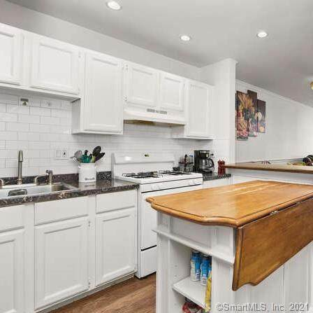 15 Greenwich Avenue #4, Stamford, CT 06902 (MLS #170373668) :: Spectrum Real Estate Consultants