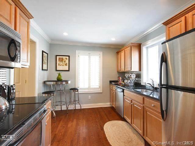 1707 Summer Street #4, Stamford, CT 06905 (MLS #170373929) :: Tim Dent Real Estate Group
