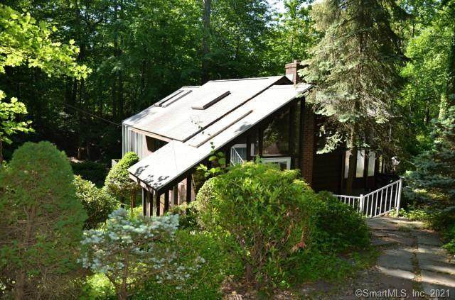 70 Witch Lane, Norwalk, CT 06853 (MLS #170374286) :: Mark Boyland Real Estate Team