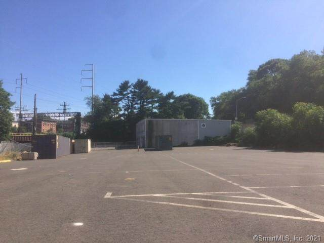85 Martin King Luther Jr Drive, Norwalk, CT 06854 (MLS #170379189) :: Spectrum Real Estate Consultants