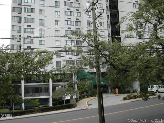 60 Strawberry Hill Avenue - Photo 1