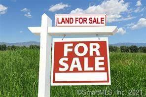 40 Doe Hollow Drive, Trumbull, CT 06611 (MLS #170384633) :: Team Feola & Lanzante | Keller Williams Trumbull