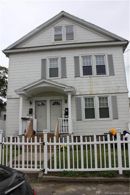 136 Martin Terrace - Photo 1