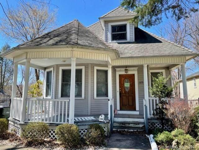125 Ridge Road, Wethersfield, CT 06109 (MLS #170389989) :: Around Town Real Estate Team