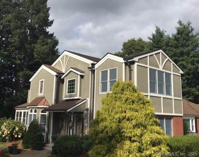 1 Ridge Road, Cromwell, CT 06416 (MLS #170393541) :: Carbutti & Co Realtors