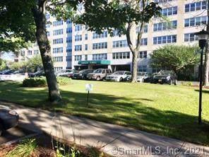 2625 Park Avenue 7E, Bridgeport, CT 06604 (MLS #170396524) :: Frank Schiavone with William Raveis Real Estate