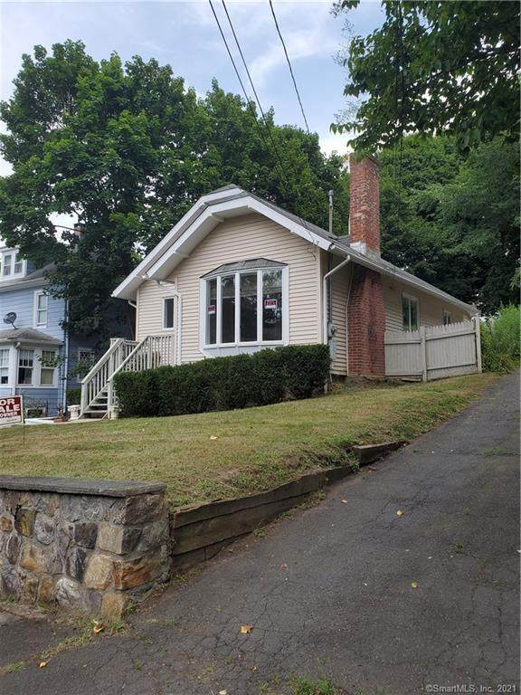 59a Jefferson Avenue, Danbury, CT 06810 (MLS #170397027) :: Next Level Group