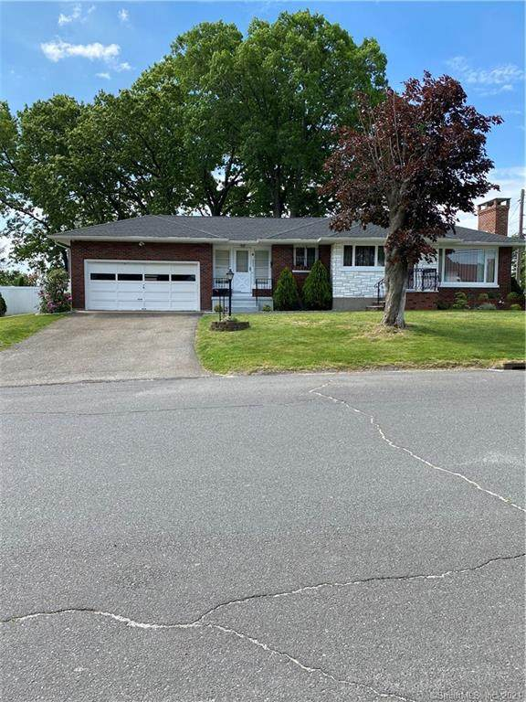 353 Highland Drive, Waterbury, CT 06708 (MLS #170405021) :: Around Town Real Estate Team