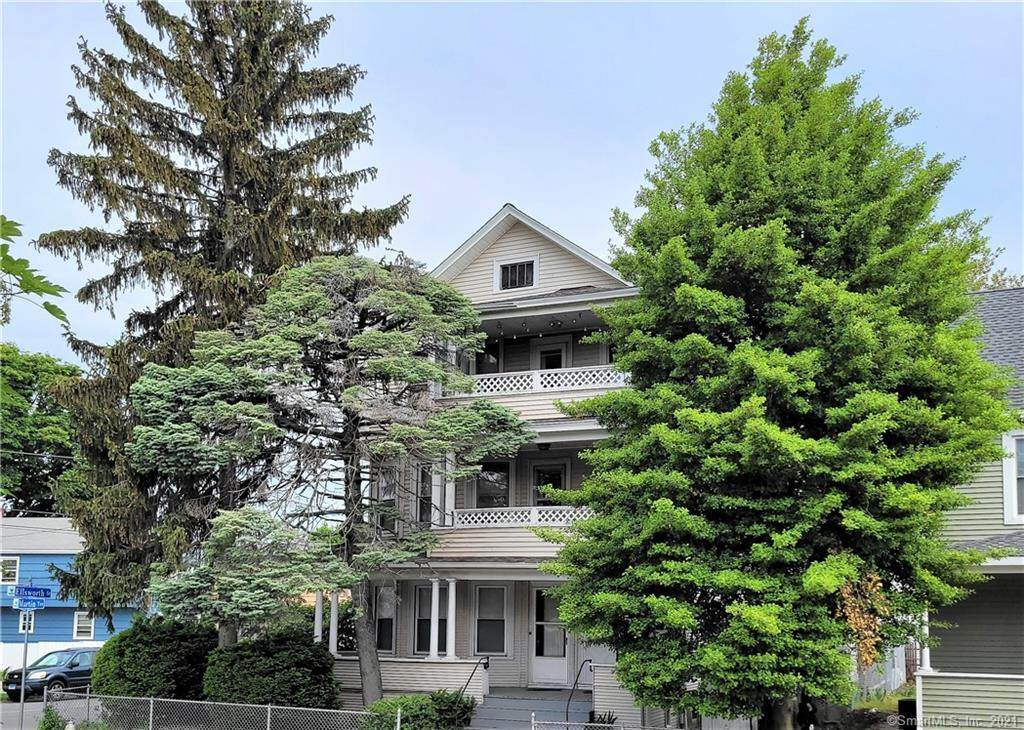 192 Martin Terrace - Photo 1