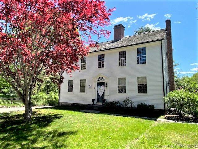 1 Blacksmith Hill Road, East Hampton, CT 06424 (MLS #170406348) :: Mark Boyland Real Estate Team