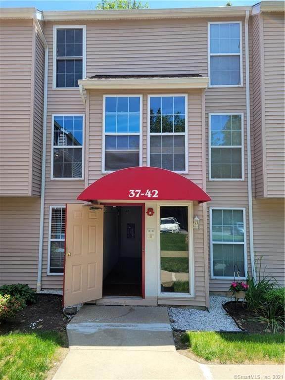 41 Heather Ridge #41, Shelton, CT 06484 (MLS #170409716) :: Team Feola & Lanzante | Keller Williams Trumbull