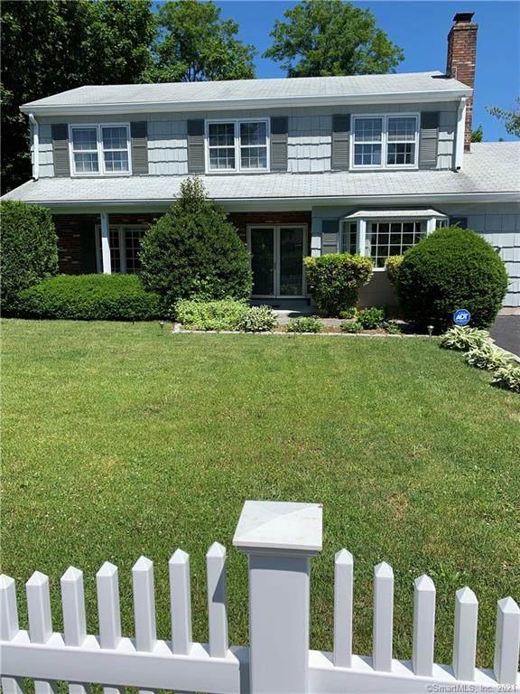 36 Lanell Drive, Stamford, CT 06902 (MLS #170410681) :: Michael & Associates Premium Properties | MAPP TEAM