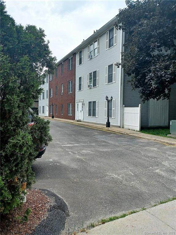 39 Main Street 3-4, Bethel, CT 06801 (MLS #170411076) :: The Higgins Group - The CT Home Finder
