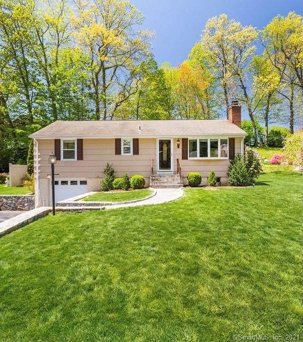 3 Cobblers Lane, Norwalk, CT 06851 (MLS #170412032) :: Spectrum Real Estate Consultants