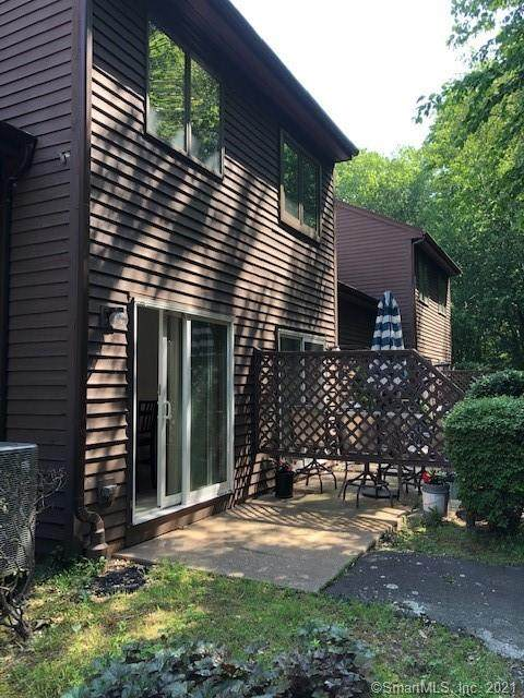489 Wolcott Street #117, Bristol, CT 06010 (MLS #170412102) :: Hergenrother Realty Group Connecticut